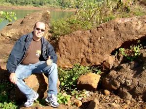 Pedra com inscrições da Guerra do Paraguai