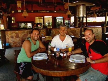 Com o Seu João, no Restaurante Casa do João, Bonito - MS
