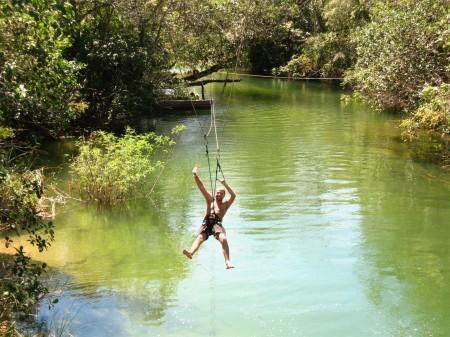 Arvorismo com Tirolesa na Água no Hotel Cabanas, Bonito - MS