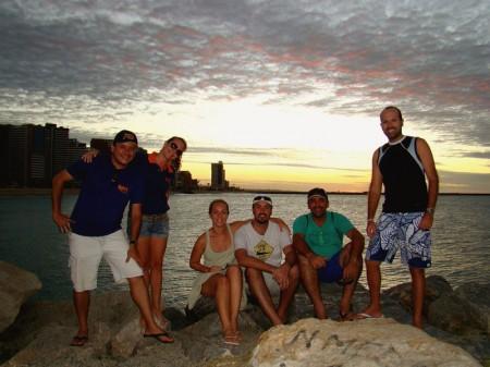 Galera reunida para assistir ao Pôr-do-sol no Espigão