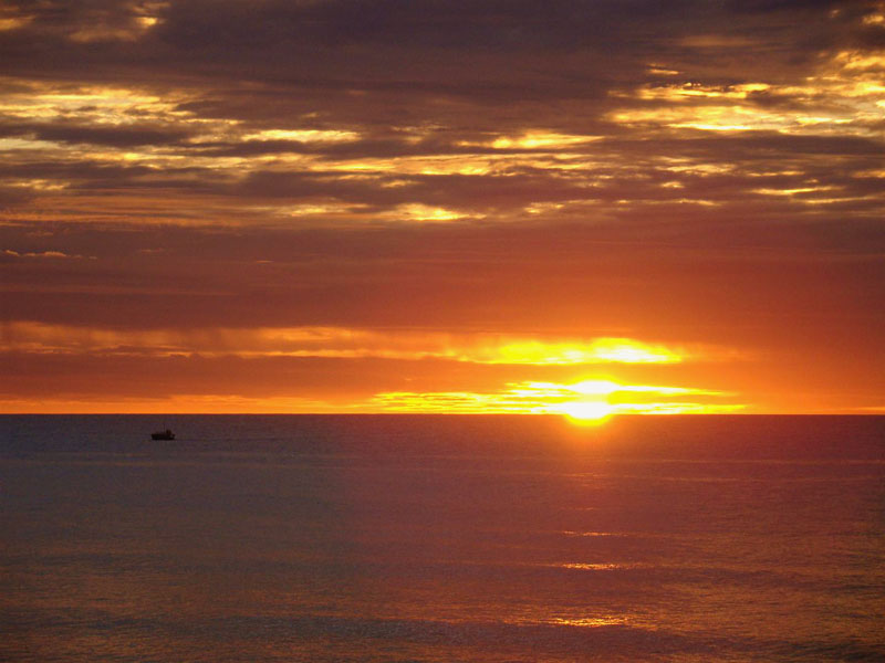 O Pôr-do-sol em Jericoacoara é no mar!