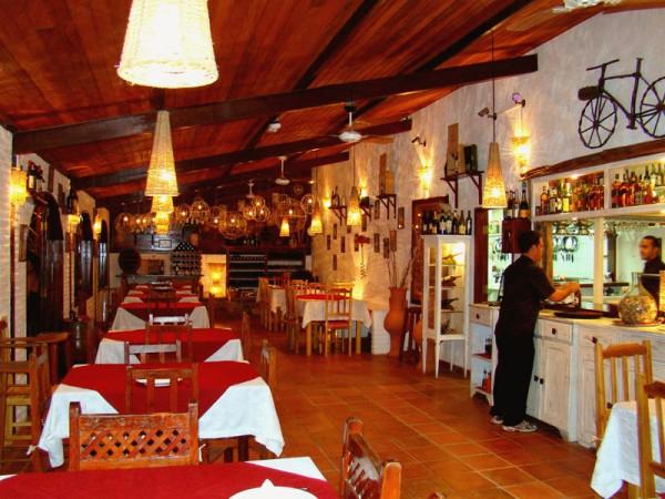 Área interna do Restaurante Leonardo Da Vinci