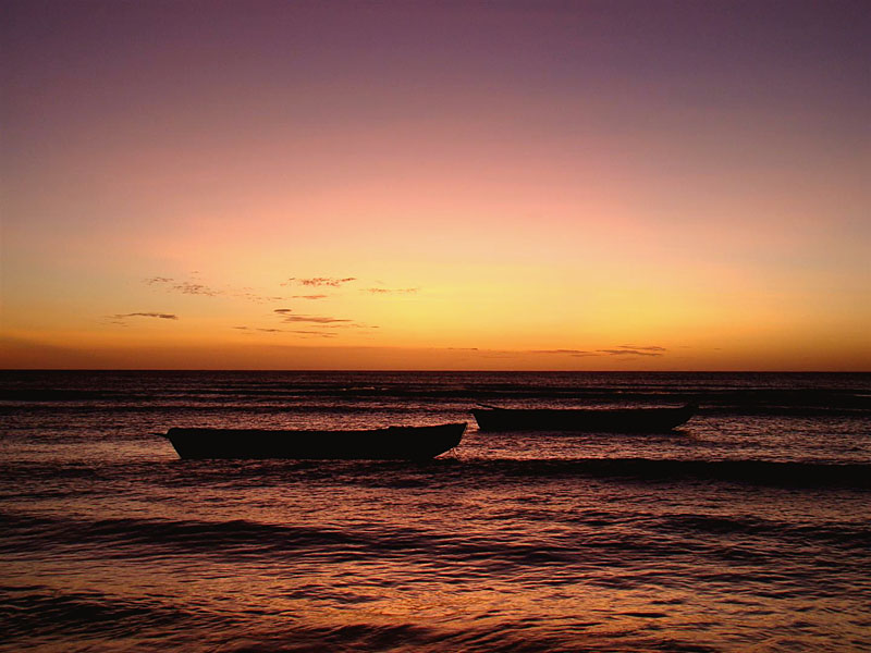 A mistura de cores no céu após o pôr-do-sol