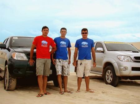 Clerton e seus irmãos realizam o trabalho em família - JC Turismo