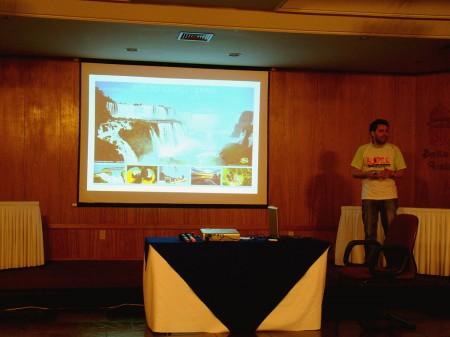 Gilmar Piolla apresentando Foz do Iguaçu para os blogueiros