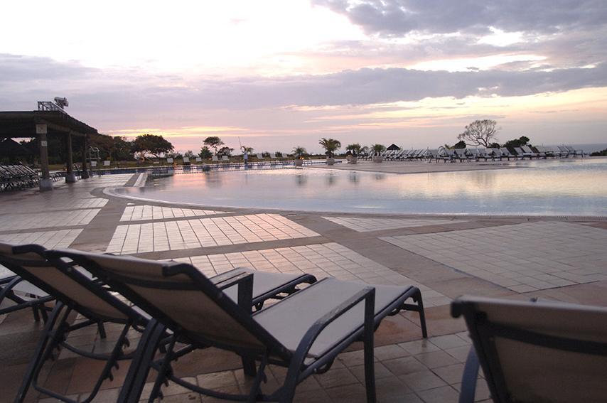 Área da Piscina - Village Club Med Trancoso