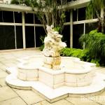 Estátua no jardim do IMS