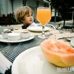 O pequeno Gabriel curtiu o café da manhã no IMS