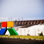 Vertedouro aberto da Itaipu Binacional