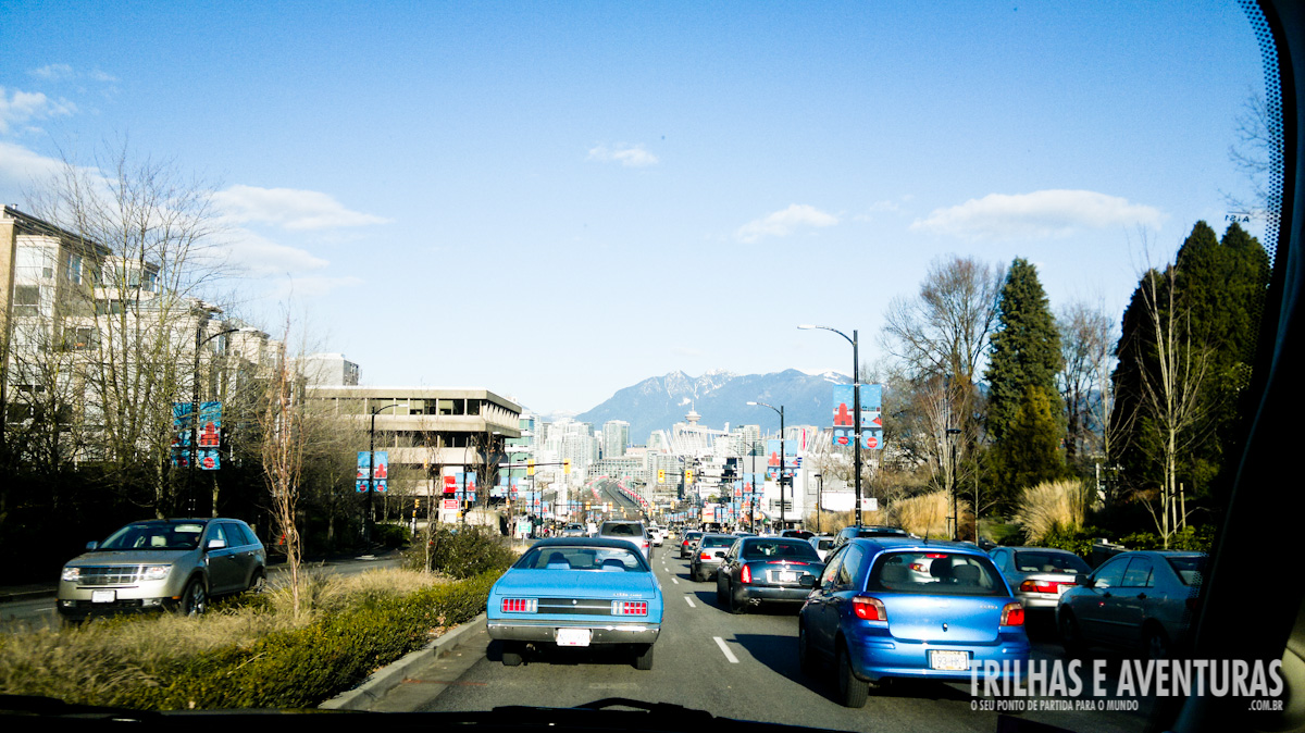 A cidade é rodeada por belas montanhas