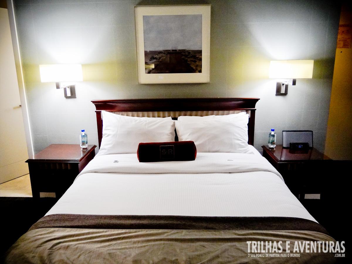 Cama super espaçosa no St. Regis Hotel