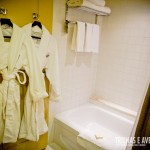 Roupão e banheira! Combinação perfeita para relaxar no banho
