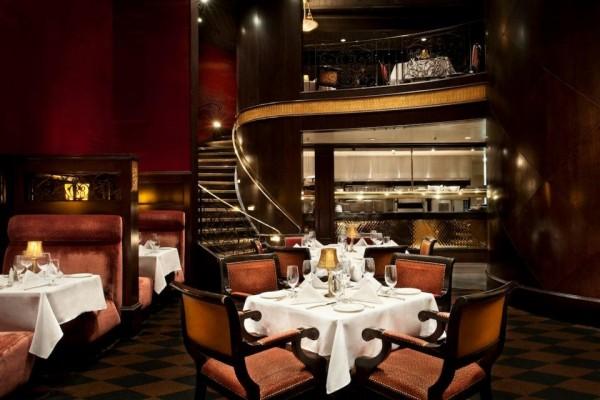 Ambiente sofisticado no Gotham Steakhouse | Foto: Divulgação