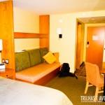 Os quartos são amplos e confortáveis