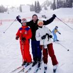 Eu e a Duda com nosso super professor de ski