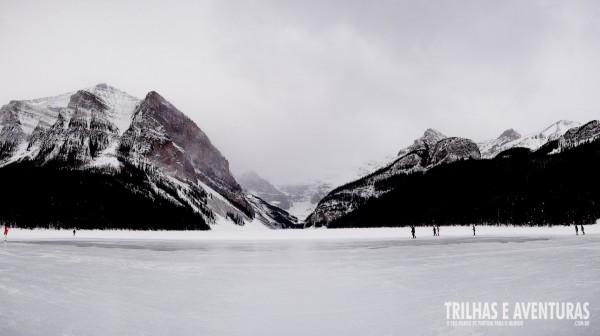 Lake Louise todo branquinho e congelado