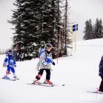As crianças simplesmente adoram esquiar!