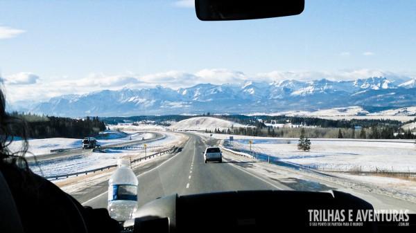 A estrada de Calgary para Banff possui paisagens de tirar o fôlego