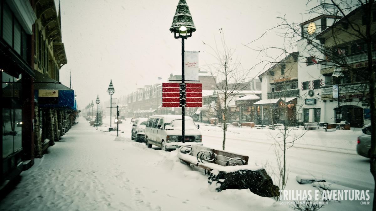 As calçadas tinham mais de 20cm de neve. Lindo demais!