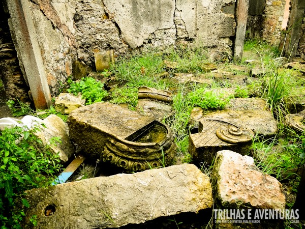 Degradação do patrimônio histórico largados ao léu