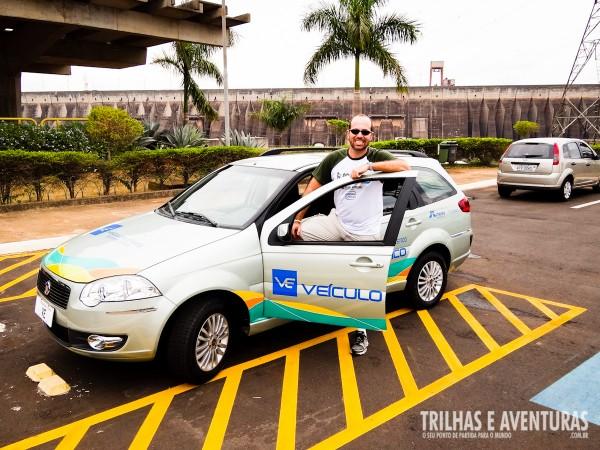 Fazendo o Circuito Especial dirigindo o Veículo Elétrico da Itaipu Binacional