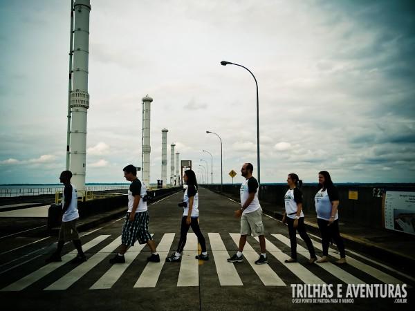 """Relembrando a famosa """"Abbey Road"""" dos Beatles durante o Circuito Especial na Itaipu"""