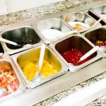 Coberturas variadas no buffet