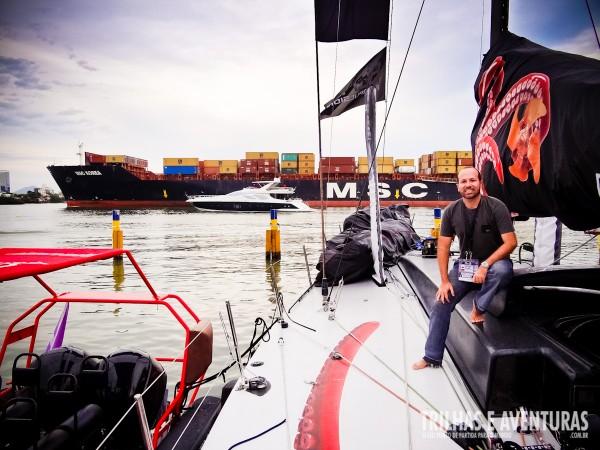 Durante a visita técnica no barco da Puma