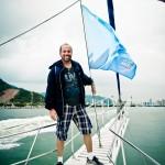 No barco de fotógrafos e jornalistas para cobrir a regata