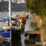 Os barcos coloridos rendem belas fotos no canal