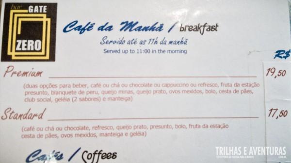 As duas opções de café da manhã no Bar Gate Zero