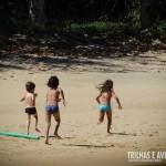 Praia tranquila e perfeita para para as crianças brincarem a vontade