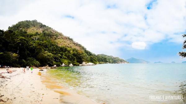 Mesmo com o sol tímido já da para perceber a beleza das praias de Angra dos Reis