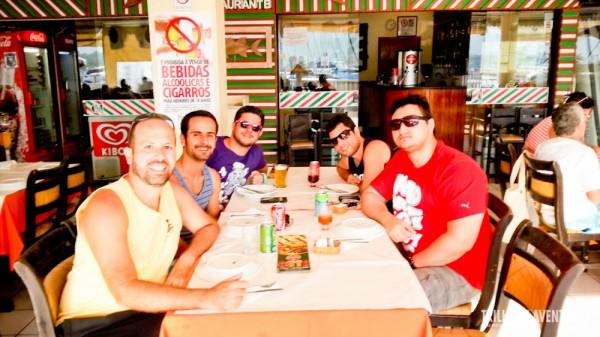 A turma reunida no Restaurante Casa Nova - Shopping Piratas