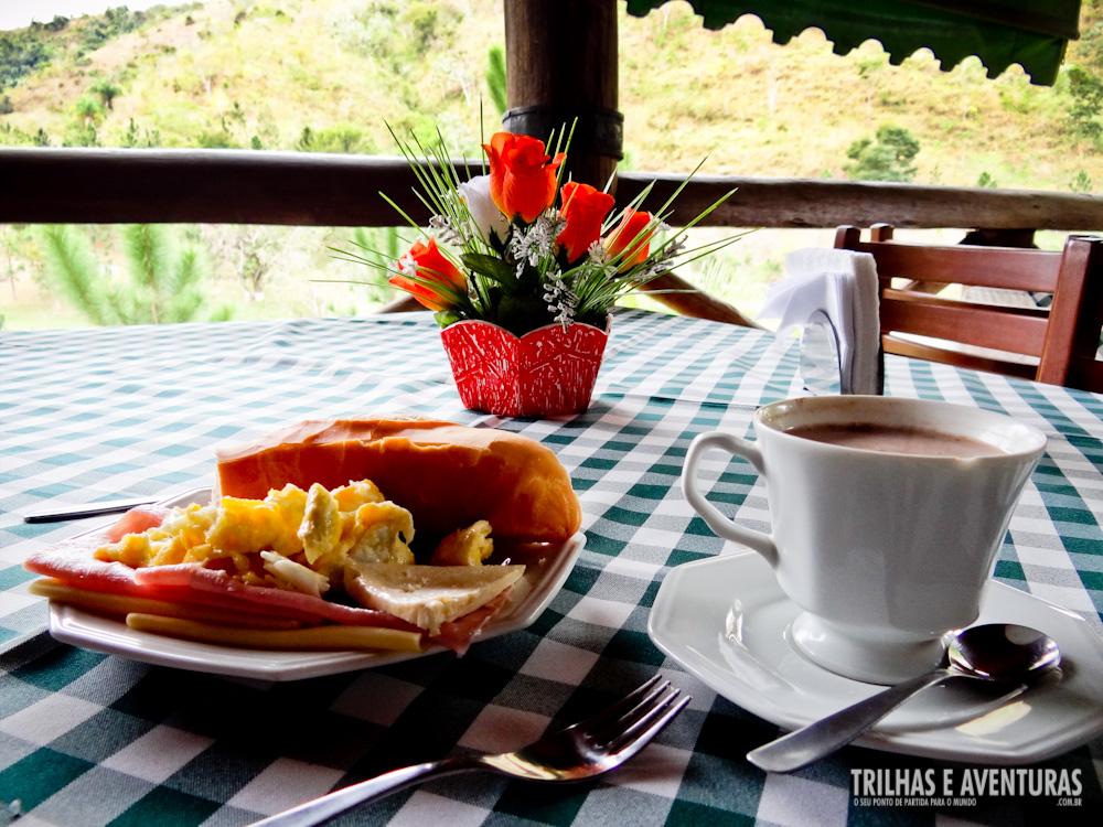 Muito O café da manhã fica ainda mais gostoso com a vista pro campo  UO72