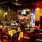Restaurante com iluminação noturna para o jantar