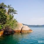 Uma ilha deserta de águas calmas e cristalinas... isso é Paraty!