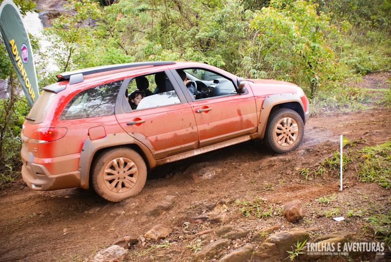 Novo Fiat Adventure no terreno que mais gosta de andar