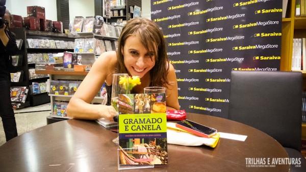 Alexandra Aranovich, do blog Café Viagem, lançando seu Guia Essencial de Gramado e Canela