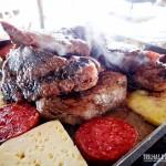 Carne, linguiça e queijo coalho na chapa