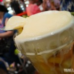 O clássico sorvete com salada de frutas
