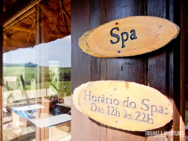 SPA com piscina de hidromassagem e sauna à lenha