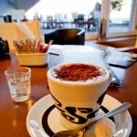 Delícia de café com vista grátis para o Guaíba
