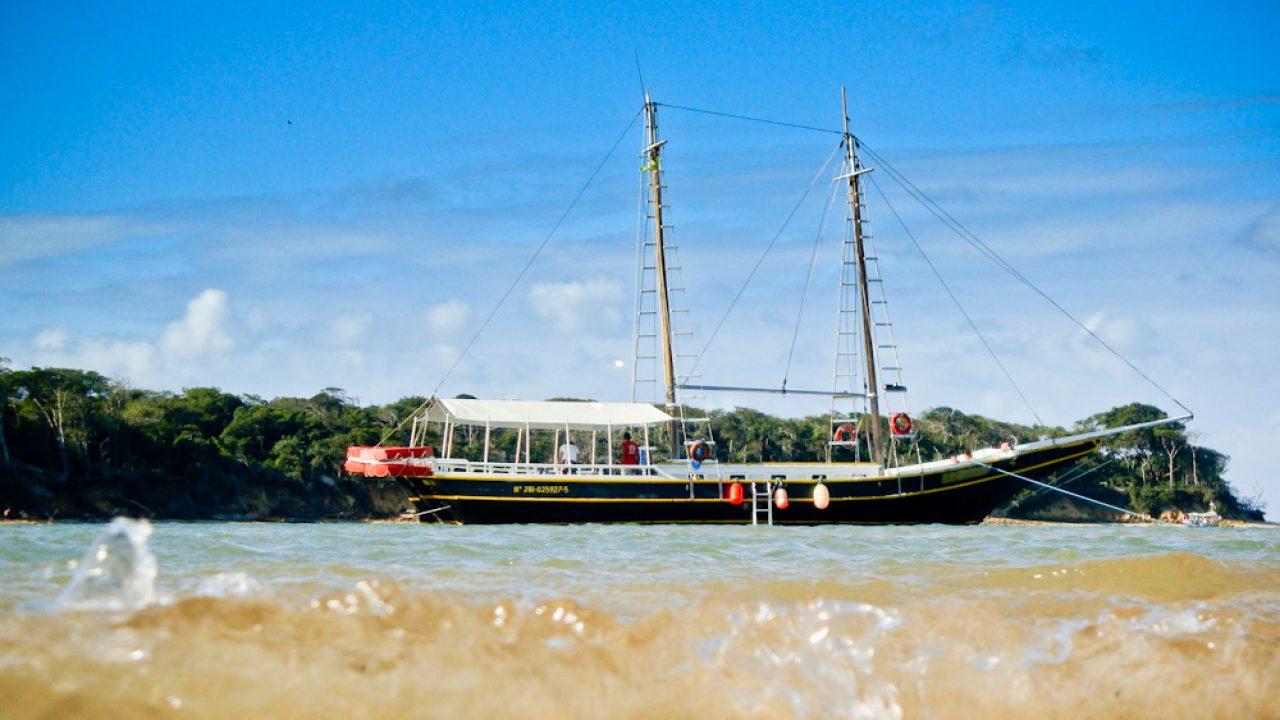 Vídeo do Passeio de Barco em Pipa com Golfinhos e Pôr-do-sol - RN -  AVENTUREIROS