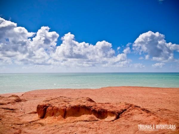 É incrível o contraste das cores do Chapadão com o céu e o mar