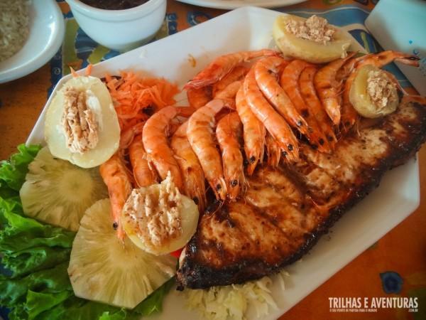 Churrasco misto de peixe com camarão grelhados (para dois)