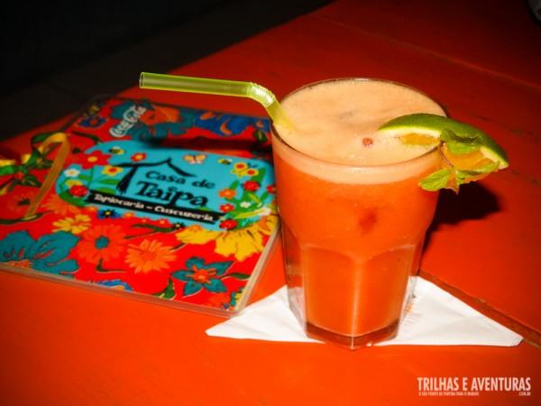 Suco de laranja com acerola para refrescar
