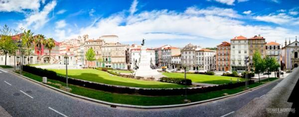 Panorâmica do jardim em frente ao Palácio da Bolsa, no Porto