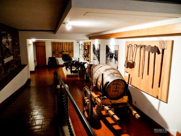 Equipamentos de época usados nas vinícolas do grupo