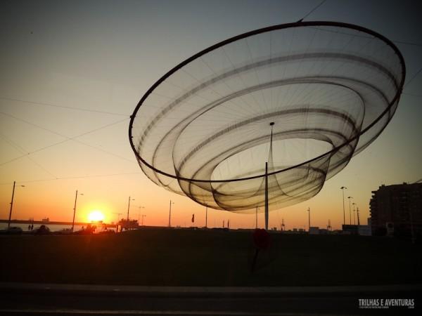 Escultura da Medusa no Pôr-do-sol, no Porto